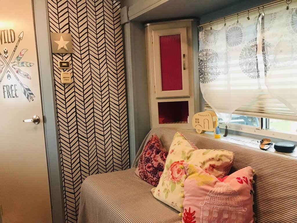 How To Apply Peel And Stick Wallpaper In Your Rv Colorful Designer