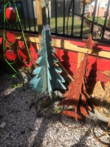 Simple and easy Christmas Decorations - Metal Trees