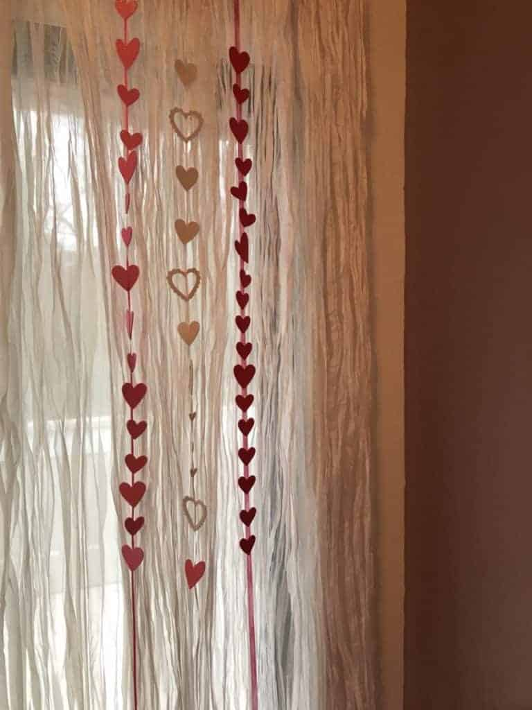 Valentines Day Decorating Ideas for curtains