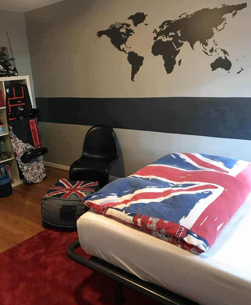 Updated Teenager's Bedroom